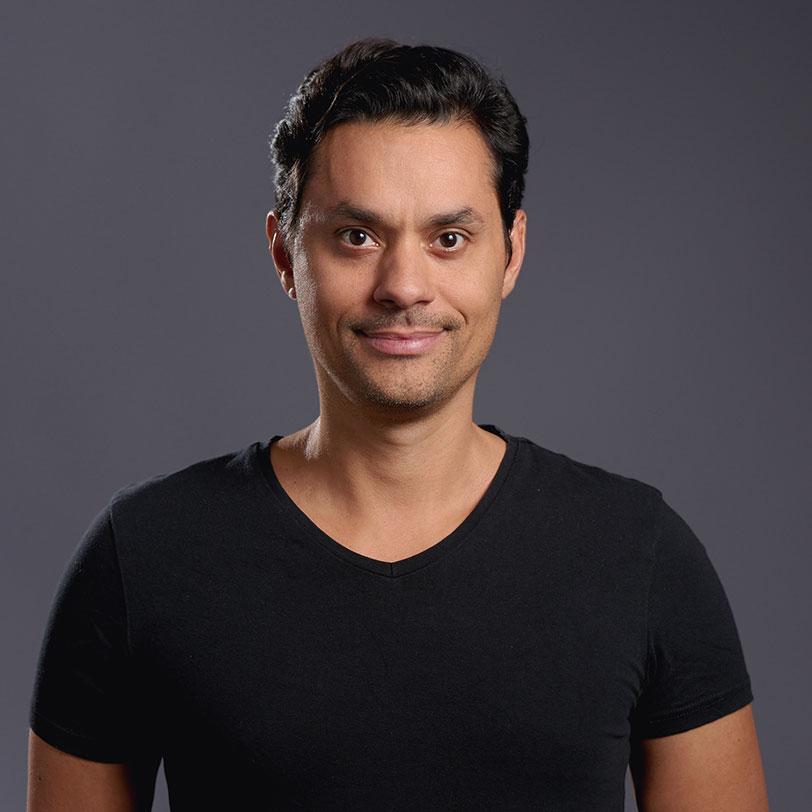 Benjamin-Santana-Dozent-der-Face-Reading-Academy-Eric-Standop-Read-the-Face-Mobile